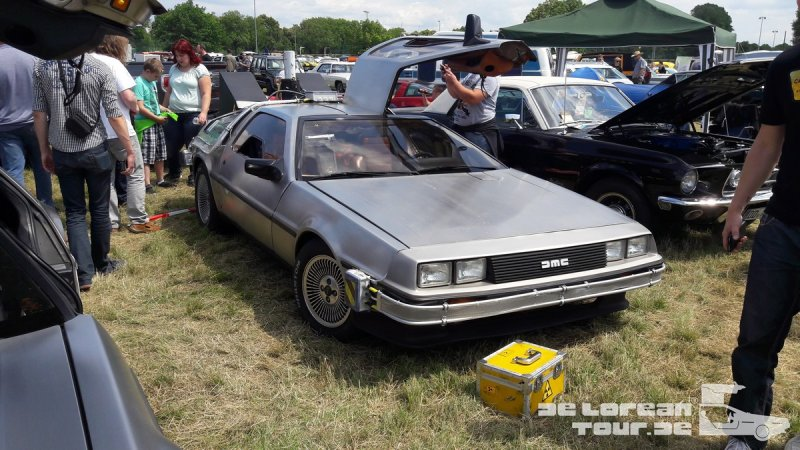 Zeitmaschine Delorean front