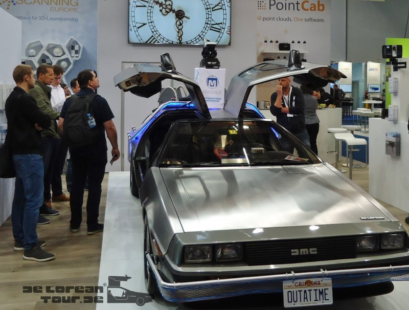 Rent a Delorean Zeitmaschine Frankfurt Messe